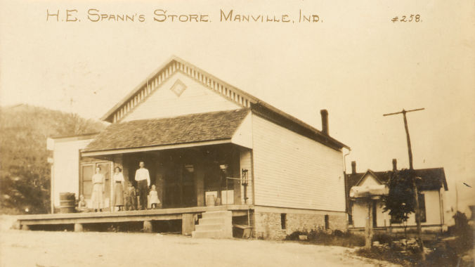 The H. E. Spann general store in Mannville, Indiana in 1914.